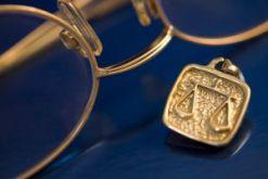Какие виды юридических услуг адвокат может оказывать по уголовным делам